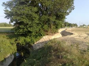 I lavori per la riapertura del fosso  Favaro