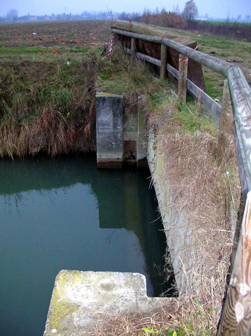 Gallery il mistero della lamiera il fiume marzenego for Ponte sul davanti della casa