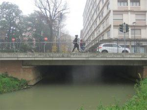 Il Marzenego / Muneghe passa sotto via della Circonvallazione in corrispondenza dell'incrocio con riviera XX Settembre.