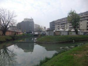 La pontara, sede del mercato del pesce e della verdura, che divide i due rami dl Marzenego (il fiume, come spesso accade, è lasciato alle spalle delle attività e delle abitazioni)