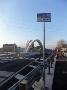 Il nuovo Ponte di via Vallenari scavalca l'Osellino...