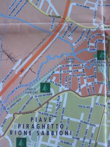La non molto accurata cartina da 3 €.