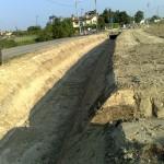Il percorso del fosso e lo scatolare attraverso il quale l'acqua sarà inserita nel canale consortile.